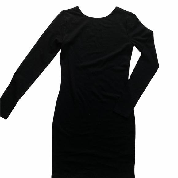 BLACK OPEN BACK LONG SLEEVE DRESS / SIZE S